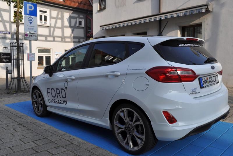 CarSharing-Platz Heilbronner Straße 21 mit Ford Fiesta des Autohaus Bölz